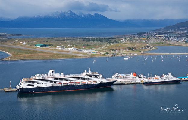 Die M.S. Zaandam im Hafen von Ushuaia