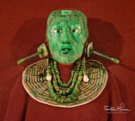 Totenmaske von K'inich Janaab 'Pakal