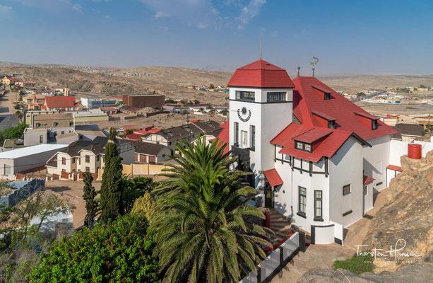 Das Goerke-Haus ist ein von Jugendstil-Elementen geprägter kolonialer Prachtbau in der namibischen Hafenstadt Lüderitz.
