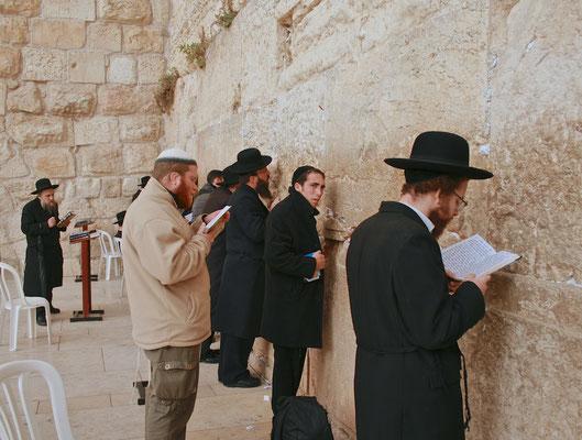 Betende an der Klagemauer