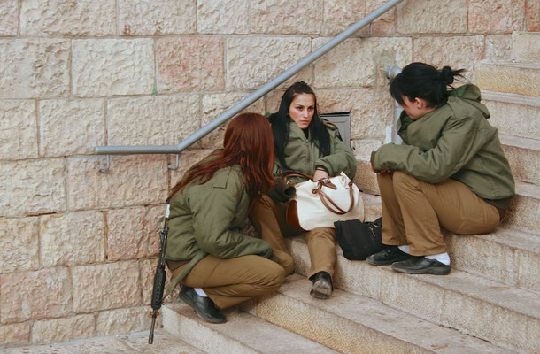 Weibliches Militär in Jerusalem