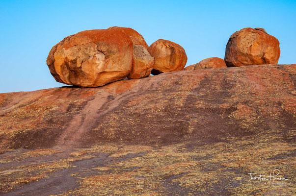Das Gelände des Matopo-Gebirges ist etwa 100 × 30 km groß und liegt 30 km vor Bulawayo.