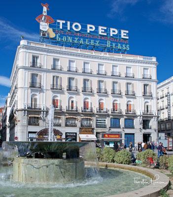 Die Tío Pepe-Werbung ist ein Wahrzeichen des Platzes Puerto del Sol