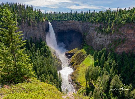 Somit ist dieser Wasserfall im südöstlichen British Columbia der vierthöchste in Kanada.