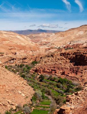 Das Ounila-Tal in der Provinz Ouarzazate in der Region Drâa-Tafilalet gehört mit seinen noch teilweise erhaltenen Lehmdörfern der Berber zu den sehenswerten Landschafts- und Kultureindrücken im Süden Marokkos.