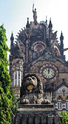 Der Chhatrapati Shivaji Maharaj Terminus (छत्रपती शिवाजी महाराज टर्मिनस), auch Mumbai CST, bis 1996 Victoria Terminus, ist ein Bahnhof der Indian Railways in Mumbai, der im Süden der Stadt liegt. Er zählt zu den größten und geschäftigsten Bahnhöfen der Welt
