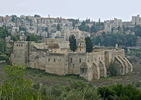 Das Kreuzkloster (arabisch Deir el-Musalliba) ist ein mächtiges, festungsartiges Kirchengebäude in Jerusalem