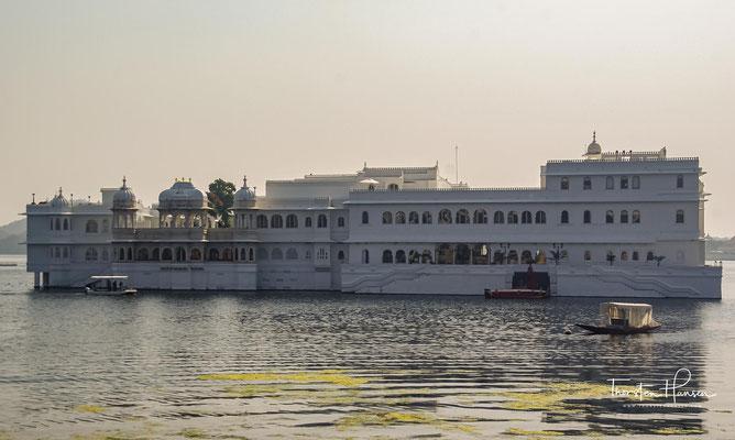 Der Lake Palace wurde in den Jahren 1743–1746 für Maharana Jagat Singh II., dem 62. Maharadscha von Mewar, als Sommerresidenz errichtet.