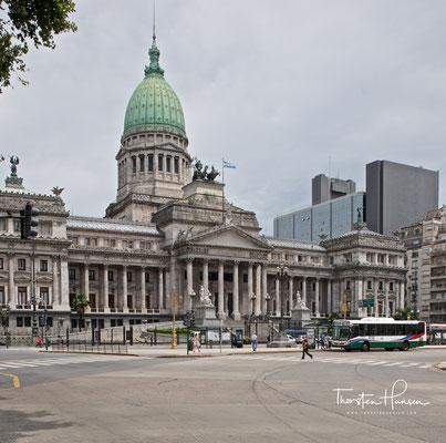 Der Argentinische Kongresspalast (spanisch Palacio del Congreso de la Nación Argentina) in Buenos Aires ist der Sitz des argentinischen Nationalkongresses.