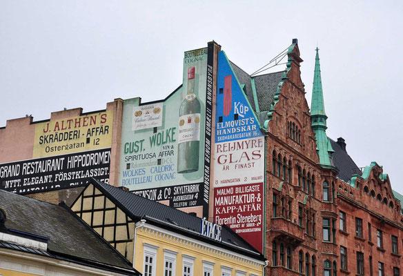 Seit der Einweihung der Öresundbrücke im Jahr 2000 bildet die Metropolregion Malmö zusammen mit dem am Öresund gegenüber liegenden Kopenhagen eines der Zentren der Öresundregion.