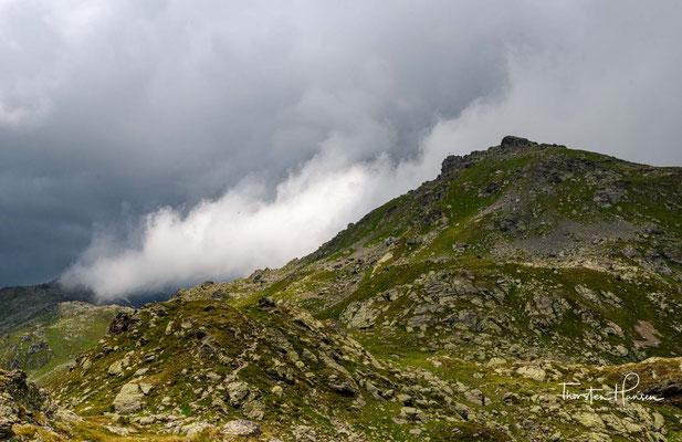Er umfasst das Gebiet der Wattentaler Lizum und des westlich benachbarten Mölstals.