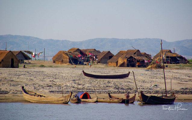 Häuser am 2170 Kilometer langen Irrawaddy