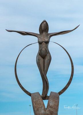 Puerto Madryn wurde im Jahr 1865 von Einwanderern aus Wales gegründet. Ende des 19 Jh. wurde der Ort durch eine Eisenbahnlinie (heute stillgelegt) mit der südwestlich landeinwärts liegenden Nachbarstadt Trelew verbunden