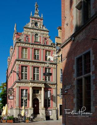 Das Schumannhaus ist ein Renaissance-Bürgerhaus in Danzig an der Langgasse 45, Ecke Matzkauschegasse.