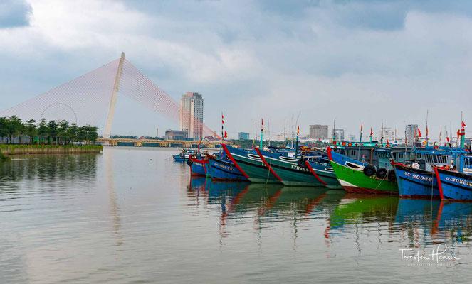 Đà Nẵng ist eine Großstadt in Zentralvietnam. Sie war während der französischen Kolonialherrschaft auch unter dem Namen Tourane bekannt
