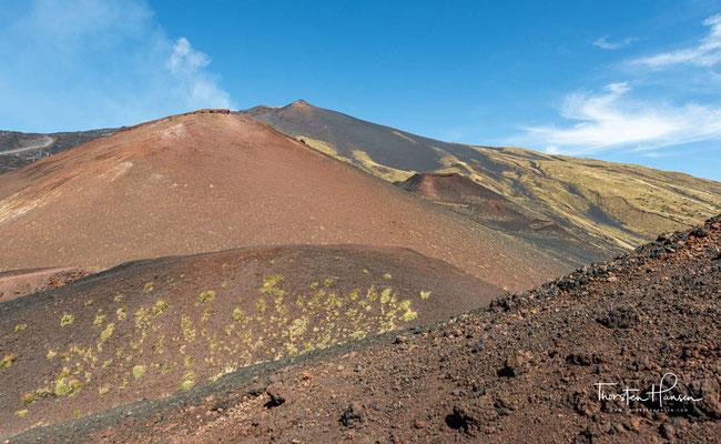 Eine ganze Flanke des Vulkans sackte ins Meer ab und brachte Ablagerungen vor der Küste Siziliens ins Rutschen.