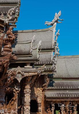 Rattanakosin heißt das ursprüngliche Gebiet der 1782 neu gegründeten siamesischen Hauptstadt am östlichen Ufer des Mae Nam Chao Phraya, historisches Zentrum der heutigen Metropole Bangkok.