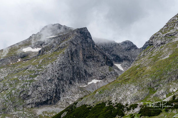 Blick auf die Östliche Karwendelspitze 2538m
