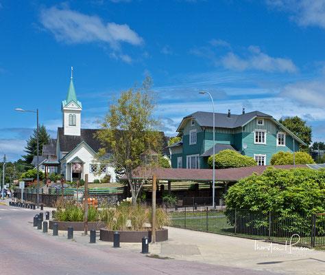 Sie gründeten die Hauptstadt der heutigen Region X, Puerto Montt, im Jahre 1853. Frutillar wurde ebenfalls von deutschen Einwanderern am 23. November 1856 gegründet.