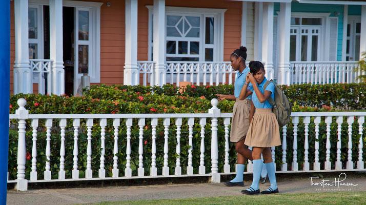 Schülerinnen in Samaná