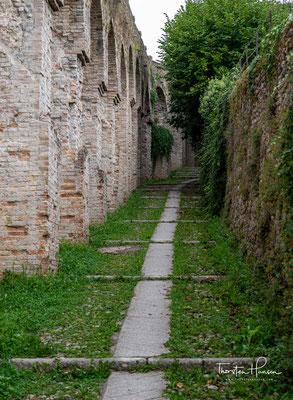 Geschichte und Architektur Conegliano entstand einst in der Umgebung einer im 12. Jahrhundert auf einem Hügel errichteten Burg, dem Castelvecchio.