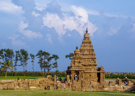 Der Küstentempel befindet sich direkt am Strand. Ende des 8. Jh. unter dem Pallava-König Rajasimha Narasimhavarman II. erbaut, gehört er zu den ältesten freistehenden Steintempeln Südindiens
