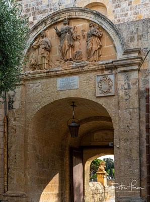 Die Römer umgaben die Stadt zusammen mit dem benachbarten Rabat mit einer starken Festungsmauer. In dieser Epoche war die Stadt von fast 1.000 Menschen bewohnt.