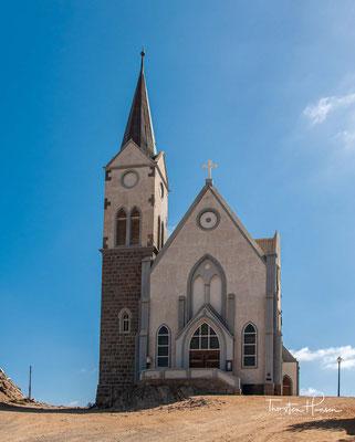 Die Grundsteinlegung erfolgte am 19. November 1911 und die Einweihung der Kirche am 4. August 1912.