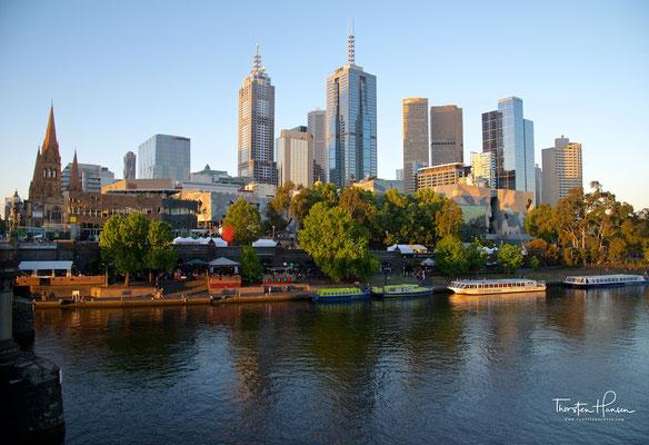 Blick über die Skyline von Melbourne und dem Yarra Fluss