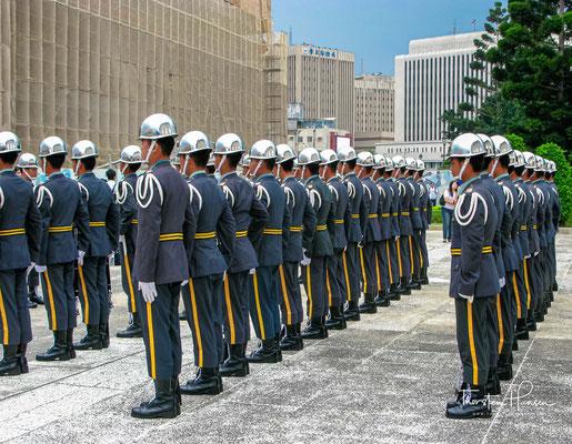 Militärparade für den Nationalfeiertag der Republik China am 10. Oktober, dem Doppelzehnfest. Der Feiertag erinnert an den Beginn des Wuchang-Aufstands (武昌起義) am 10. Oktober 1911