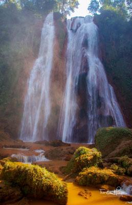 Die Dattawgyaik oder Anisakan Wasserfälle. Die stürzen sich immerhin aus 122 m in die Tiefe