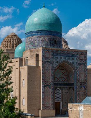 Er kam demnach im 7. Jahrhundert mit den Arabern nach Samarkand, um den Islam zu verbreiten.