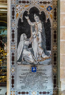 Nachdem die alte normannische Kathedrale 1693 bei einem Erdbeben zerstört worden war, wurde der maltesische Architekt Lorenzo Gafà mit dem Bau einer neuen Kirche beauftragt