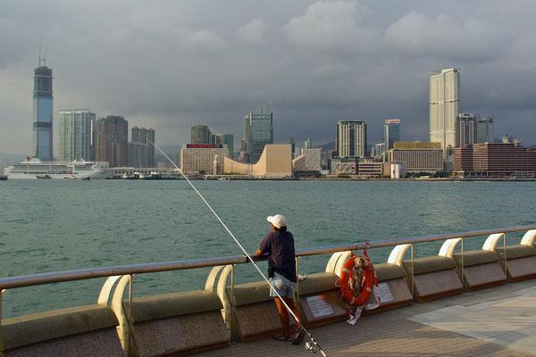 Hafenangler in Hong Kong