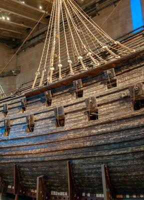 Bereits zu Beginn ihrer Jungfernfahrt am 10. August 1628 sank die Vasa nach nur etwa 1300 Metern Fahrtstrecke bei normalem Seegang wegen schwerwiegender konstruktiver Instabilität.