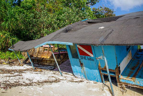 Die nach dem britischen Generalmajor Henry Havelock benannte Insel, die seit 2018 offiziell Swaraj Dweep heißt, ist berühmt für ihre schönen Sandstrände, guten Schnorchel- und Tauchmöglichkeiten sowie entspannte Atmosphäre.