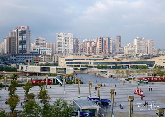 ining mit dem trockengelegten Huangshui-Fluss