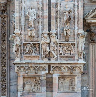 Der Fläche nach ist er eine der größten Kirchen der Welt. 1386 in gotischen Formen begonnen, war der Dom bei der Schlussweihe 1572 noch nicht vollendet und bekam erst ab der napoleonischen Zeit seine heutige Fassade.