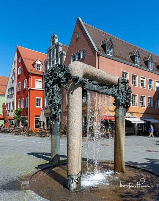 Der Mauermann Brunnen stellt beispielhafte Personen der Stadt dar - vom Bader, Schneider, Gitarrenspieler, Jahrmarktsgaukler und Ratsherr bis hin zum invaliden Bettler können Sie alles finden.
