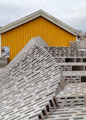 Außerdem können eine Schmiede, eine Räucherei, ein Bootshaus, die Bäckerei sowie ein Sägewerk besichtigt werden.