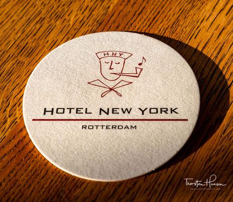 Die Geschichte der Schifffahrtslinie ist überall im Hotel New York zurückzufinden, denn das Hotel ist im ehemaligen Hauptverwaltungsgebäude der Holland-Amerika-Linie untergebracht.