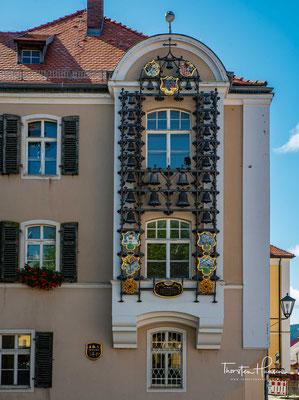 Glockenspiel am ehemaligen Amtsgericht in Furth im Wald