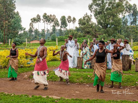 """""""Igishakamba"""" ist eine Manifestation der Viehzucht. In der Vergangenheit waren es in den Orten Ndorwa, Mubari, Buganza und Gisaka in der Ostprovinz üblich,..."""