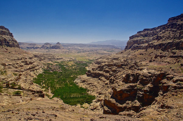 Landschaft um Schibam Kaukaban