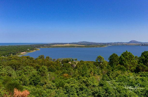 Laguna del Sauce -Der etwa 5.000 ha große und zwischen sieben und 13 Metern tiefe See ist das größte Süßwasserreservoir des Departamentos. Gespeist wird er von den beiden Zuflüssen Arroyo Pan de Azúcar und Arroyo del Sauce.