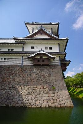 Restaurierte Burg in Kanazawa