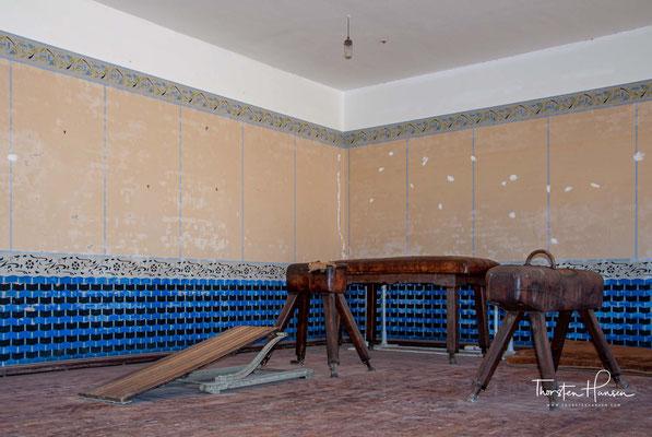 1980 wurde das touristische Potenzial der Geisterstadt Kolmannskuppe wieder entdeckt und man begann, einzelne Häuser wieder auszugraben und instand zu setzen.