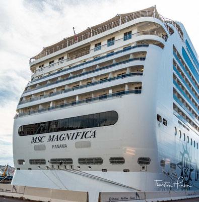 Baugleiche Schwesterschiffe sind die MSC Musica, MSC Orchestra und MSC Poesia.