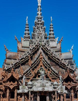 Die Kunstwerke aus Thai-, Khmer-, laotischer und chinesischer Kultur sind eine Erinnerung an die Architektur und den Kunststil des Zeitalters des Rattanakosin