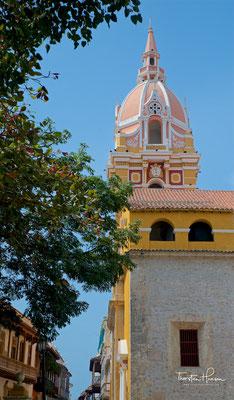 Durch den Bau einer riesigen Festung auf einem Hügel gleich neben der Stadt konnte Cartagena Angriffe von Piraten sehr gut abwehren.